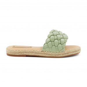 Zeleni natikači s pletenim vzorcem
