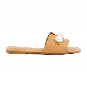 Nizki kamelj sandali