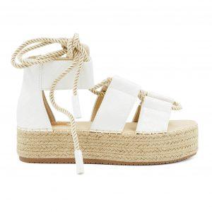 Beli sandali z odtisnjenim vzorcem, na zavezovanje