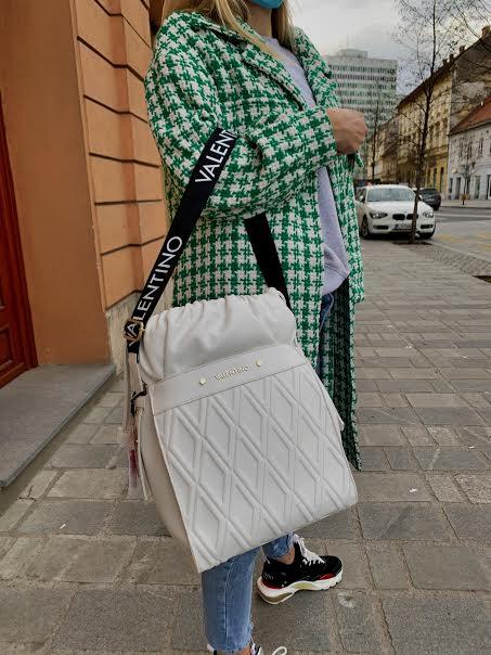 Valentino by Miriade bela torba, prešit videz