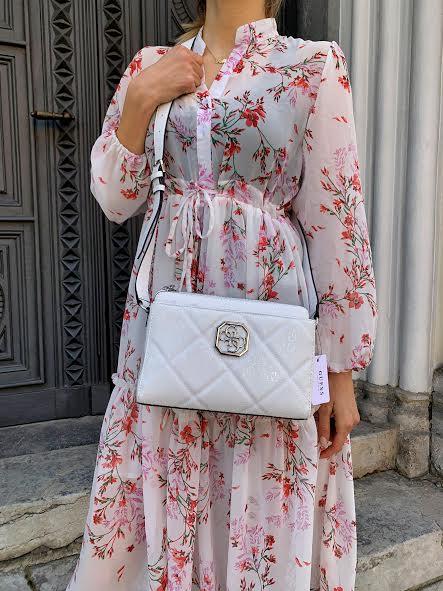 Guess torbica v beli barvi