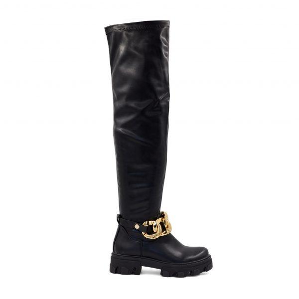 Črni škornji z zlato verigo