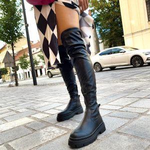 Škornji v črni barvi